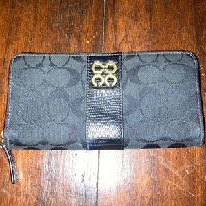 Coach Julia black wallet